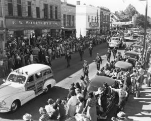 Fredericksburg, 1952 - Members of the Fredericksburg Rescue Squad, led by Capt. John Heubi, parade down Caroline Street on Sept. 27, 1952, during the annual convention of Virginia rescue squads here.